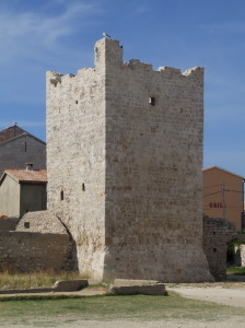 Razanac_wall_tower